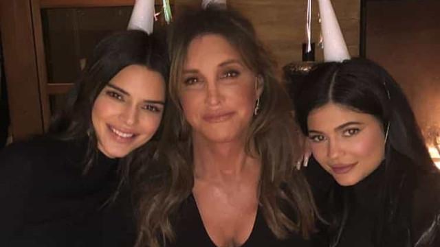 Kylie e Kendall Jenner assinalam aniversário do pai