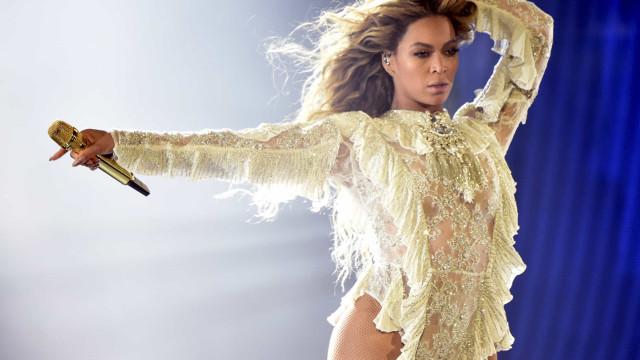 Beyoncé é estrela da Vogue britânica em três capas poderosas