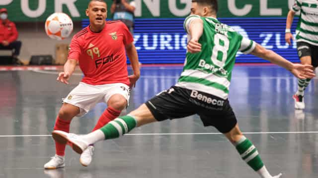 Sporting e Benfica empatam em dérbi eletrizante de futsal