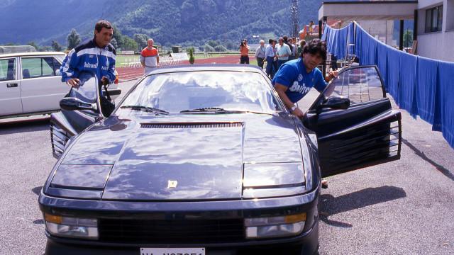 """Maradona pediu um Ferrari, não gostou e disse """"Enfia-o no..."""""""