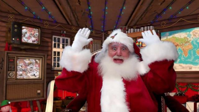"""Pai Natal em teletrabalho. É """"melhor do que nada"""" mas falta o contacto"""