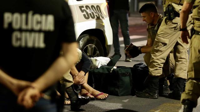 Reféns, explosões e fuga. Banco brasileiro alvo de assalto digno de filme