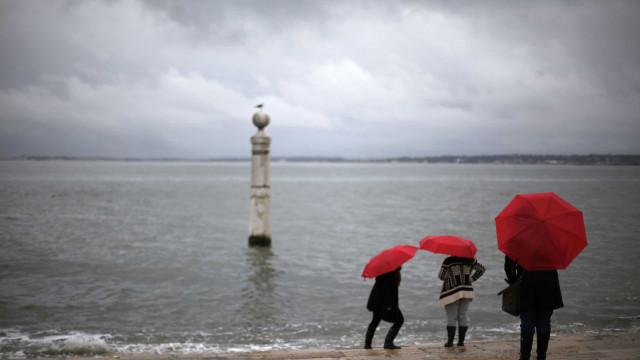 Passagem da depressão Dora até sábado. Vai trazer vento, chuva e neve