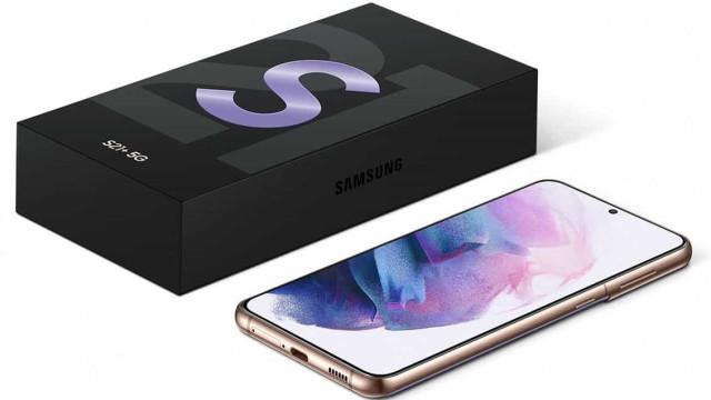 Samsung deixará de incluir carregadores em novos telemóveis
