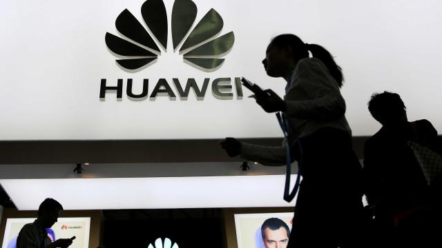 Administração Trump faz novo 'ataque' à Huawei