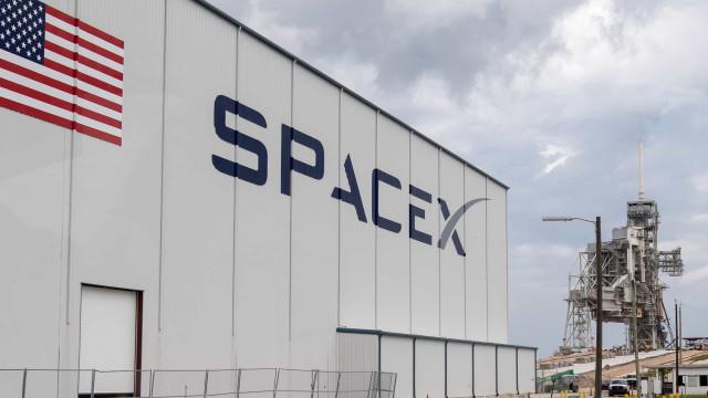 SpaceX decidiu adiar lançamento de protótipo do seu novo foguetão