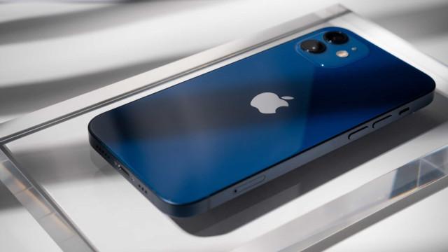 Apple volta a ceder a leis de França