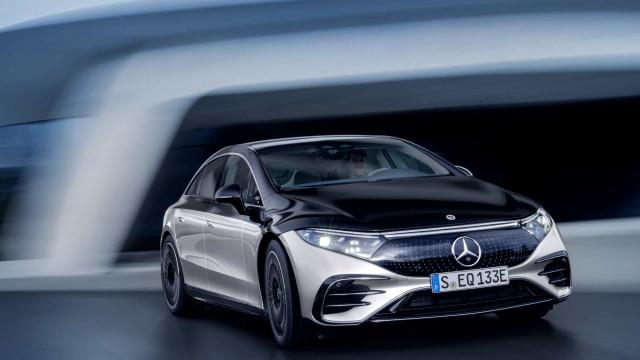 Mercedes-Benz desvendou o elétrico de luxo. Conheça o EQS