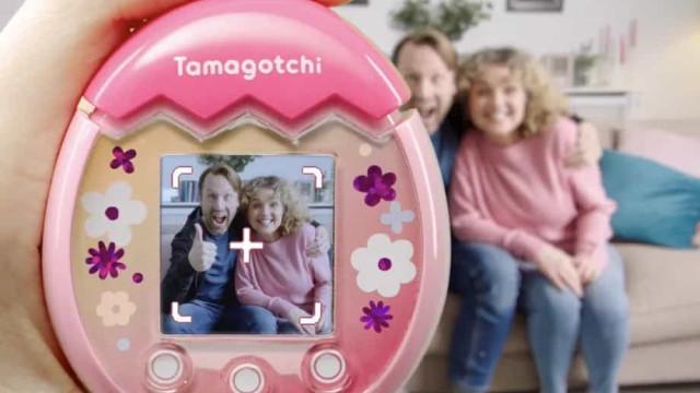 O Tamagotchi está de volta e é capaz de tirar fotografias