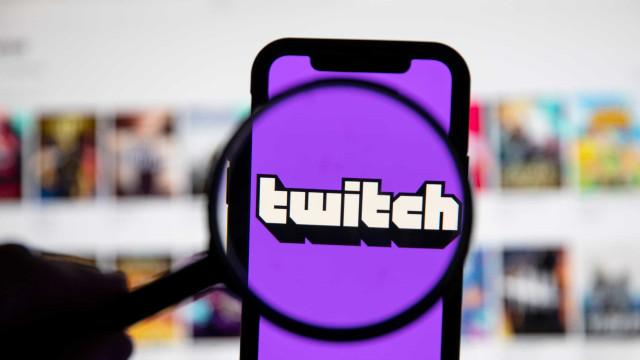 Twitch baniu duas 'streamers' por conteúdo sexualmente sugestivo