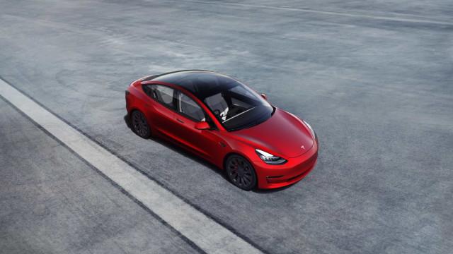 Um fim de semana com o Model 3, a 'essência' da Tesla