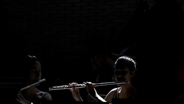 Escola de Música de Perosinho atrai há 20 anos alunos para o clássico