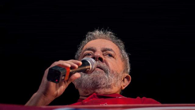 Bancos pagaram 11,9 milhões em subornos ao partido de Lula e Dilma