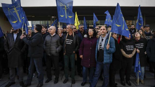Funcionários judiciais iniciam hoje greve de cinco dias
