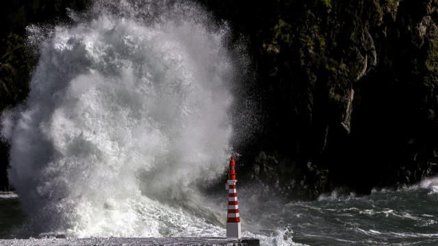 Depressão Glória atinge Portugal continental no domingo com vento forte