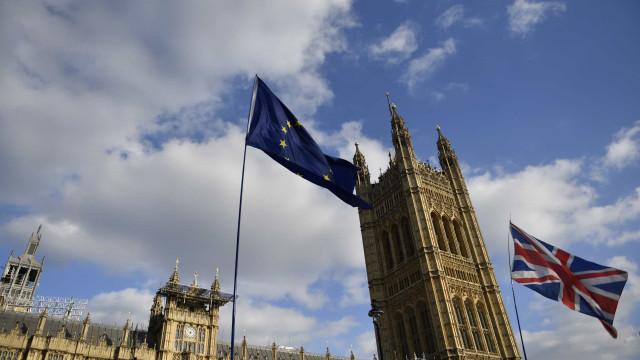 Governo britânico adia publicação da proposta de lei para o Brexit