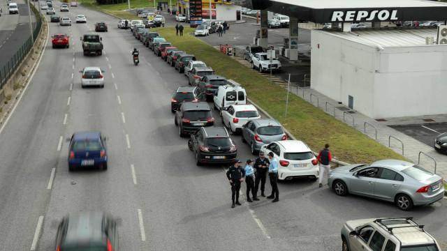 """Motoristas avisam para greve com """"repercussões muito mais graves"""""""