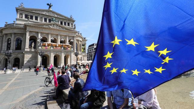 Eleições Europeias arrancam hoje na Holanda e Reino Unido