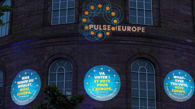 Eleições europeias prosseguem hoje na Irlanda e República Checa