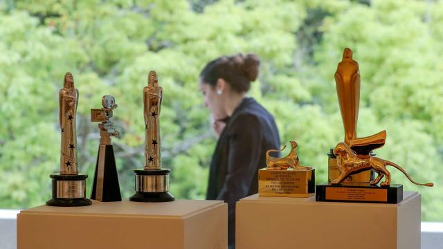 O cinema e prémios de Manoel de Oliveira passam a ter casa em Serralves