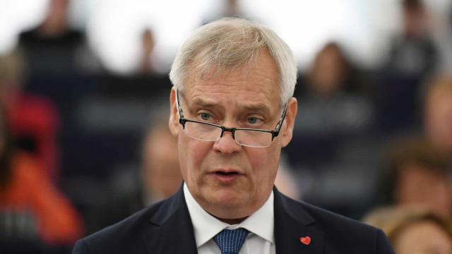 UE avisa Londres que propostas de acordo têm de chegar até final do mês