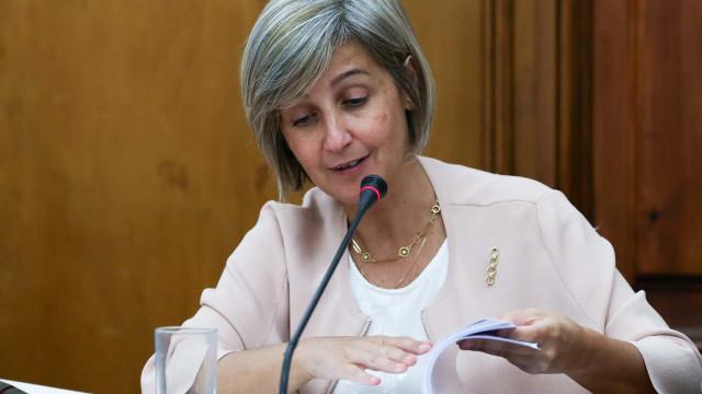 Ministra assegura que escalas das maternidades estão garantidas