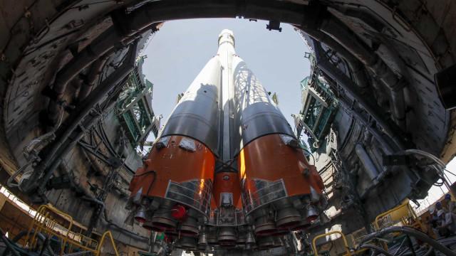 Nave russa descola do Cazaquistão rumo à Estação Espacial Internacional