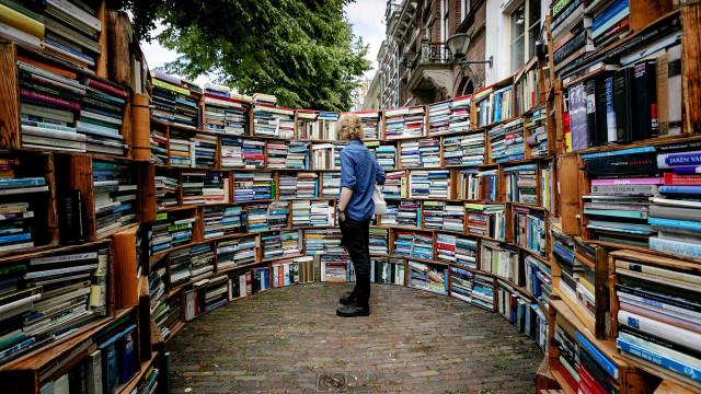 Novos livros de John le Carré e Stephen King garantidos em Portugal