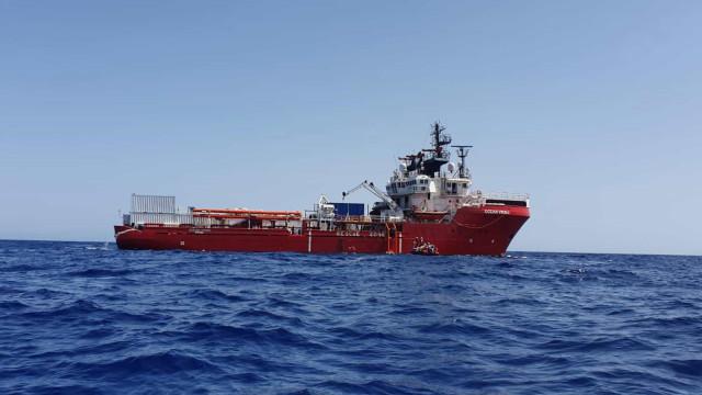 Navio humanitário tem autorização para desembarcar 182 migrantes