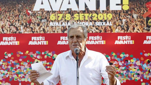 PCP acusa PS de se aliar a PSD e CDS para tirar direitos a trabalhadores