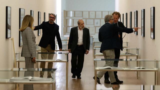 Álvaro Siza abre 'in/disciplina' em Serralves e não quer ir de férias