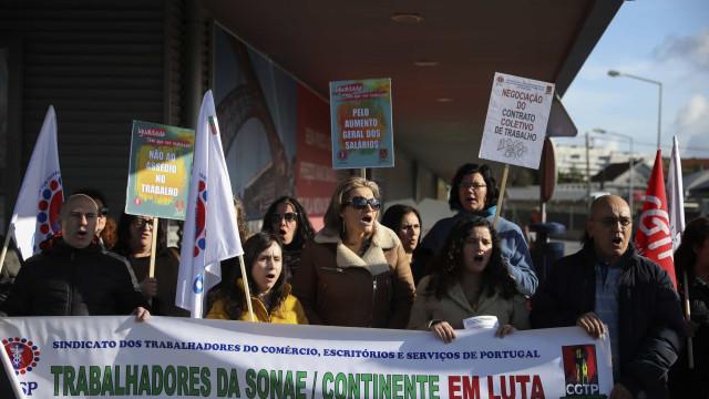 """Trabalhadores do Continente Modelo de Gaia denunciam """"pressões"""""""