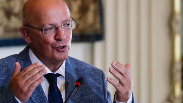 """Ministro reage a aviso dos EUA: """"Quem toma as decisões é Portugal"""""""