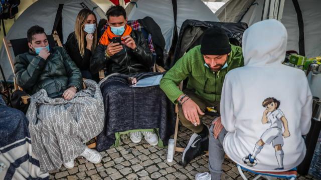 Chef Ljubomir Stanisic hospitalizado após vários dias em greve de fome