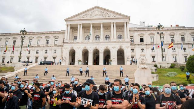 Protesto de polícias abandonou Parlamento e voltou para trás