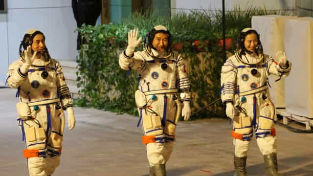 Nave atracou com sucesso na estação espacial da China