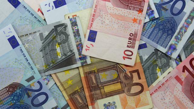 Portugal emite hoje até mil milhões em dívida a três e a 11 meses