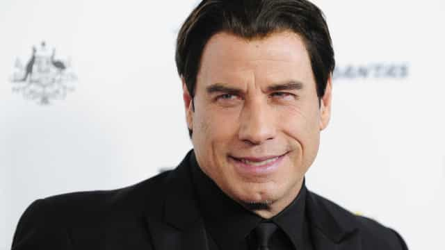 Filha de John Travolta muda de visual e mostra resultado final