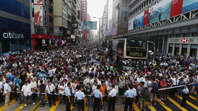 Hong Kong: Breves confrontos pelo 16.º fim de semana