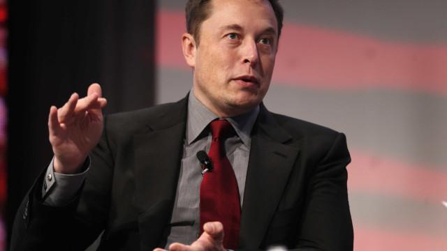 """Elon Musk: """"Foi fixe levar o William Shatner ao Espaço"""""""
