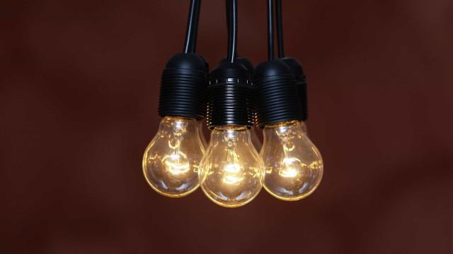 Redução do IVA da eletricidade chega hoje a 86% dos clientes domésticos