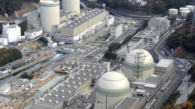 Justiça absolve ex-responsáveis de central nuclear de Fukushima