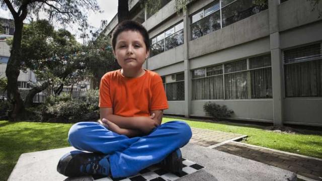 Com apenas 14 anos, Carlos prepara-se para tirar a segunda licenciatura
