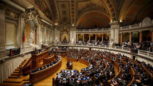 Parlamento vota sexta-feira 170 diplomas, entre eles 19 propostas de lei