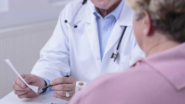 Mais de mil médicos podem não ter acesso a especialidade este ano