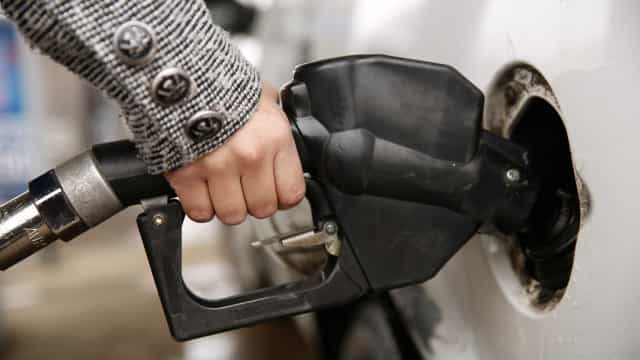 """""""Não haverá crise de abastecimento"""" após corte na produção de petróleo"""