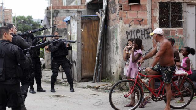 Divulgados vídeos da operação policial na maior favela de São Paulo
