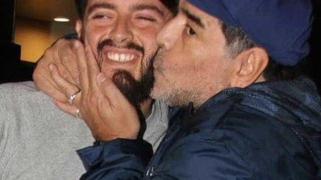 Filho de Maradona luta contra a Covid-19 e não vai ao funeral