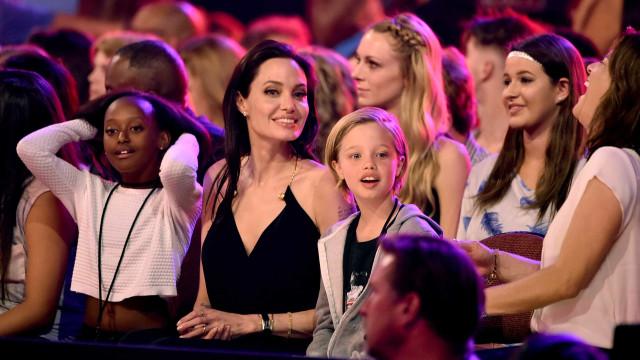 Angelina Jolie sofre com síndrome do 'ninho vazio'