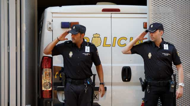 Português detido em flagrante quando tentava matar a namorada em Málaga